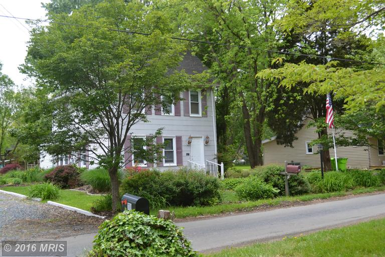 111 1st St, Chester, MD 21619