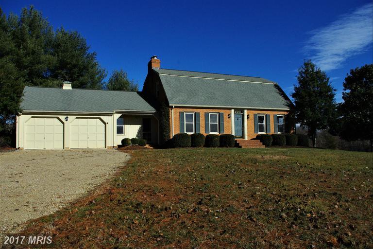 53 School House Rd, Washington, VA 22747