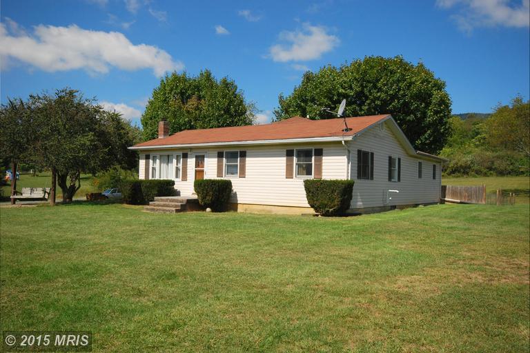 6649 Back Rd, Maurertown, VA 22644