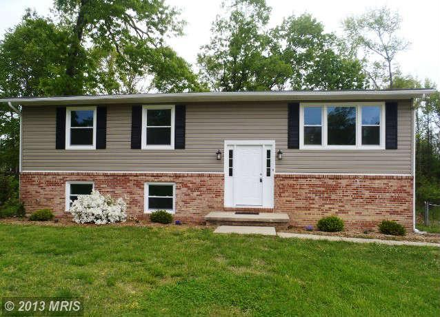 45362 Barefoot Dr, California, MD 20619