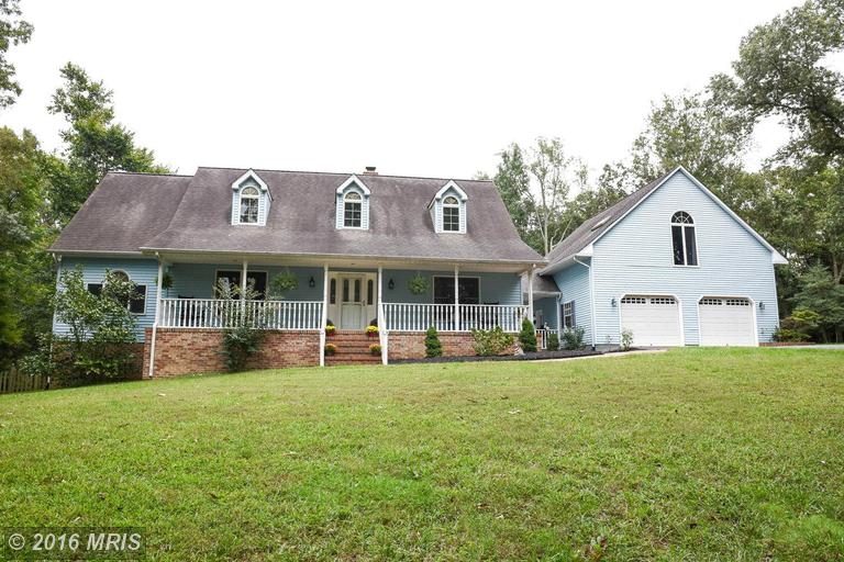 23124 Old Pine Ct, California, MD 20619