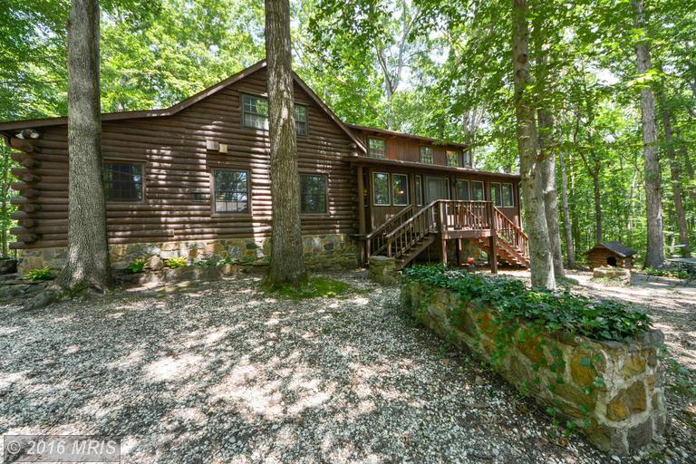 1731 Log Cabin Rd, Beaverdam, VA 23015