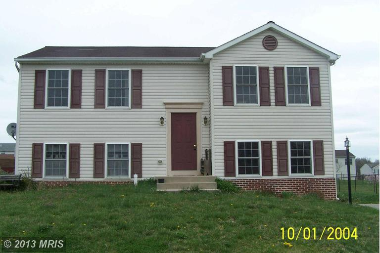 15946 Hosta Dr, Hagerstown, MD 21740
