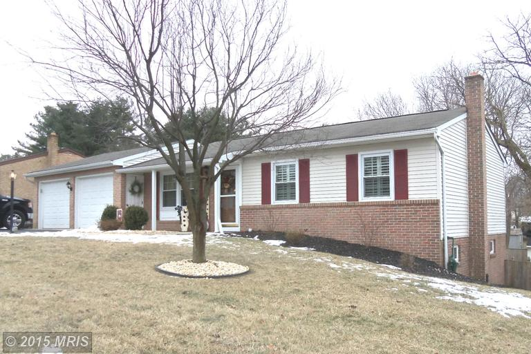 17807 Woodvale Ct, Hagerstown, MD 21740