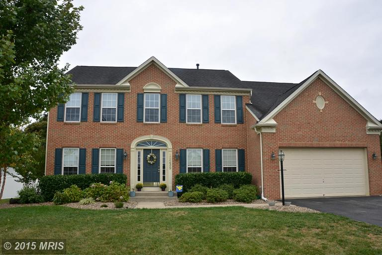 19239 Sharon Dr, Hagerstown, MD 21742