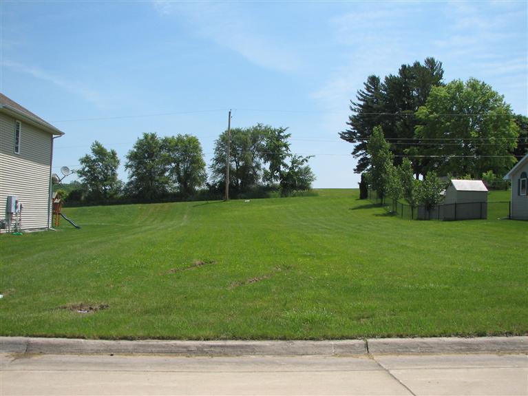 Real Estate for Sale, ListingId: 24005563, Newton,IA50208