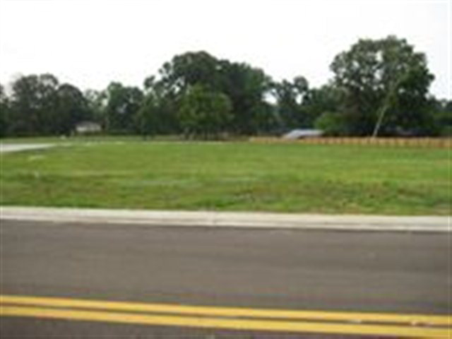 Image of  for Sale near Natchez, Mississippi, in Adams County: 0.87 acres