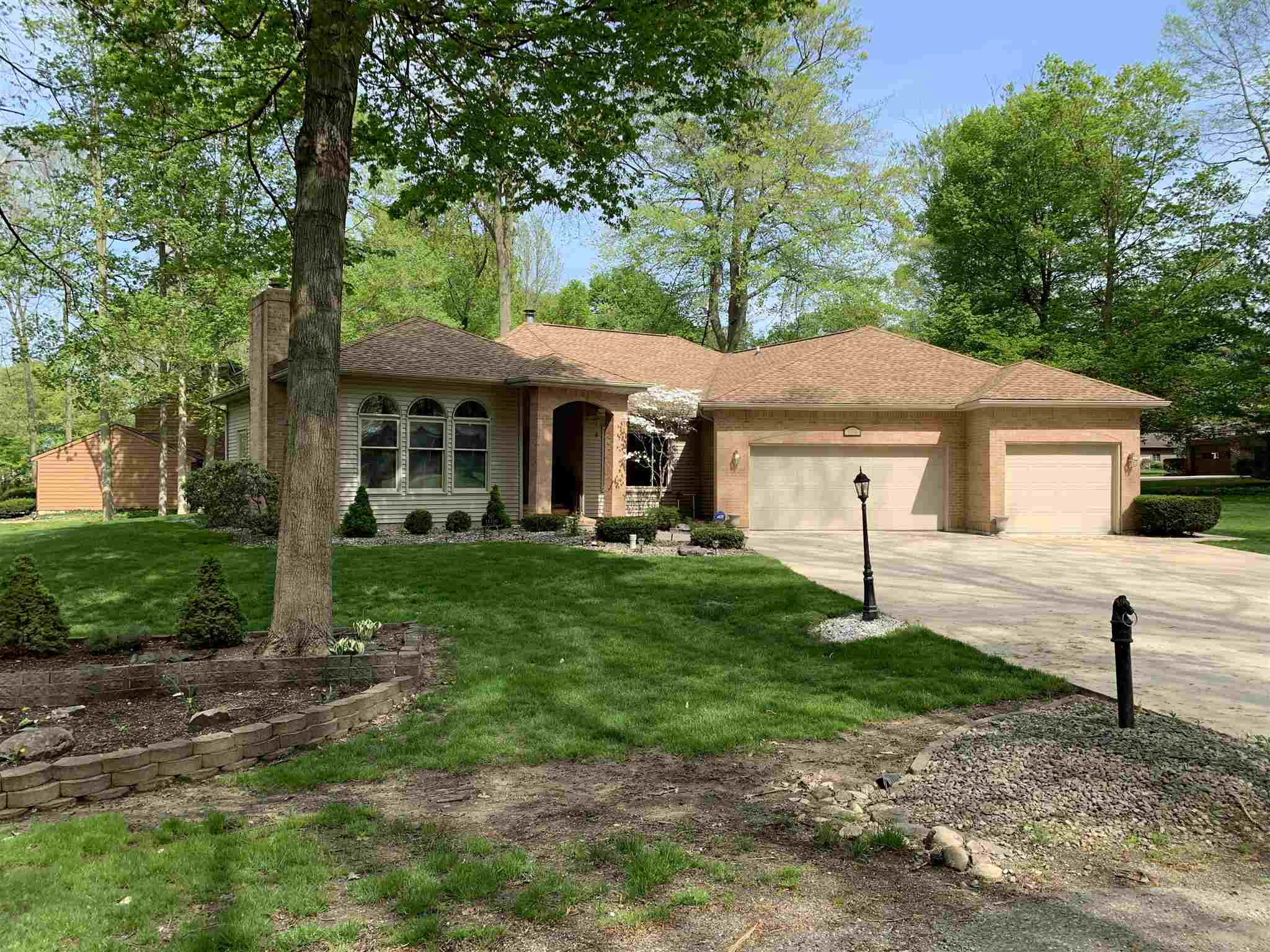 11210 Forest Drive Plymouth, IN 46563