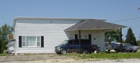225 220th St, Winthrop, IA 50682
