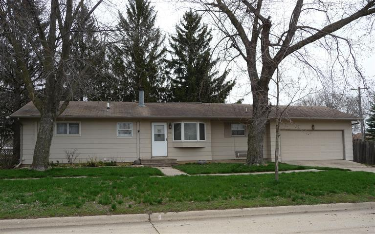 1101 18th Ave, Charles City, IA 50616