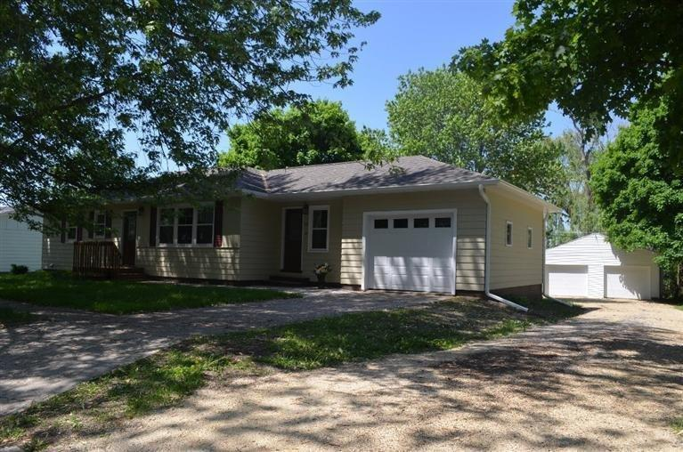 538 5th Ave SE, Oelwein, IA 50662
