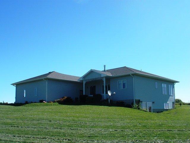 Real Estate for Sale, ListingId: 29802595, Waukon,IA52172