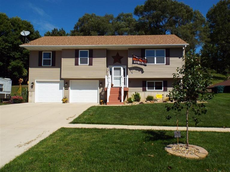 Real Estate for Sale, ListingId: 29908368, Strawberry Pt,IA52076