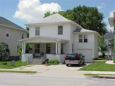 418 N Frederick Ave, Oelwein, IA 50662