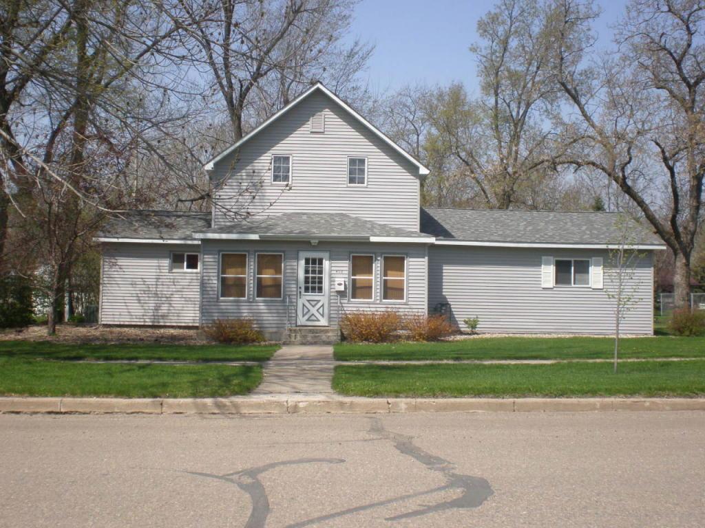 406 S Commercial St, Clark, SD 57225