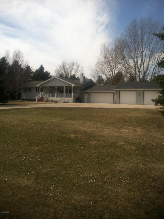 2703 Sioux Conifer Rd, Watertown, SD 57201