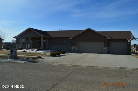 600 Crystal Ct NW, Watertown, SD 57201