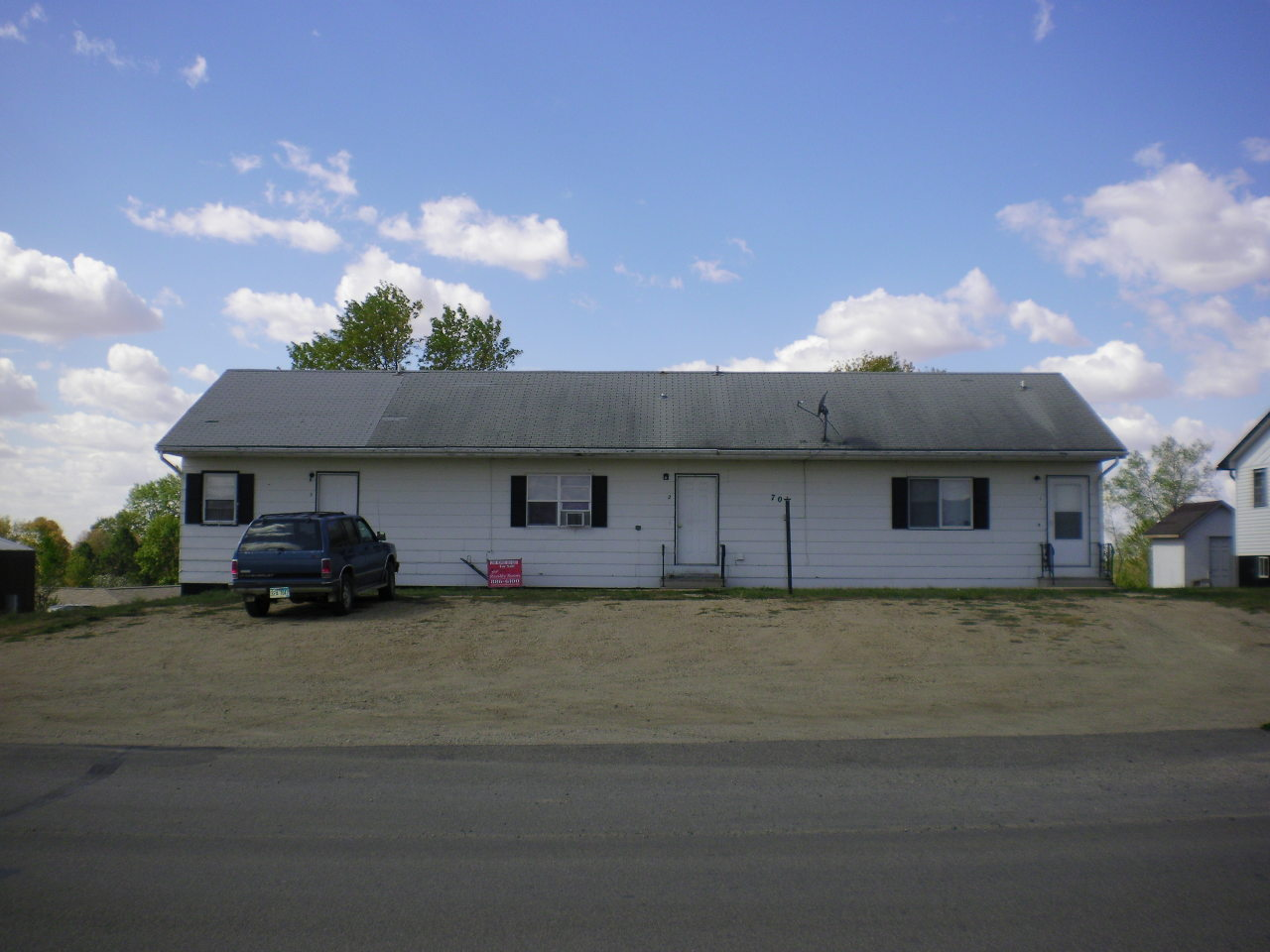703 N 2nd Ave, Castlewood, SD 57223