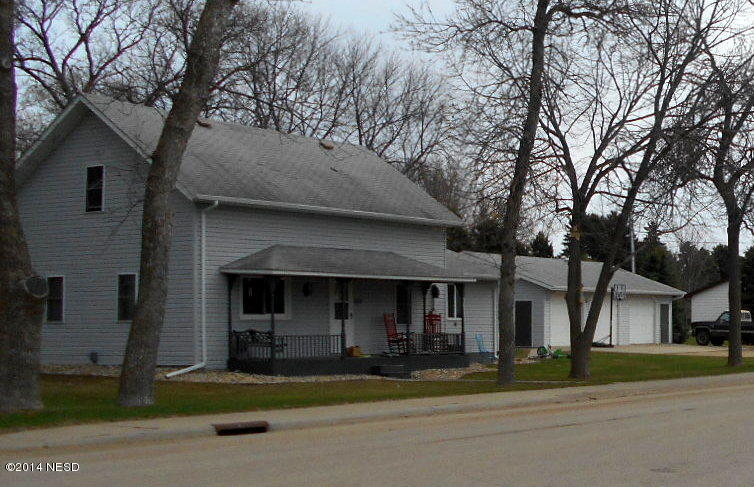 202 S 4th Ave, Castlewood, SD 57223