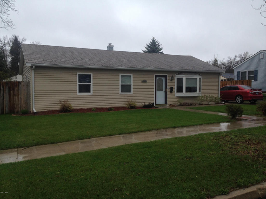 1163 1st St NW, Watertown, SD 57201