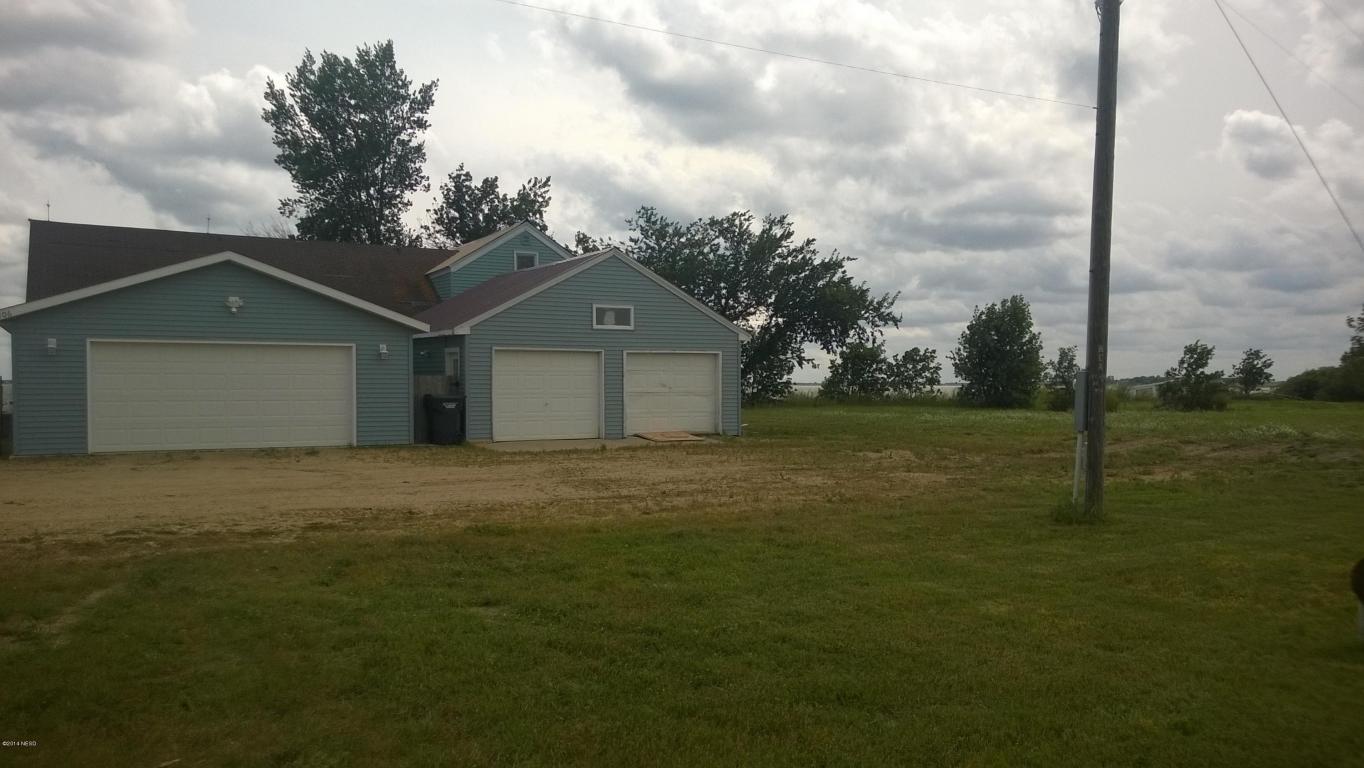 106 N Lake Dr, Castlewood, SD 57223