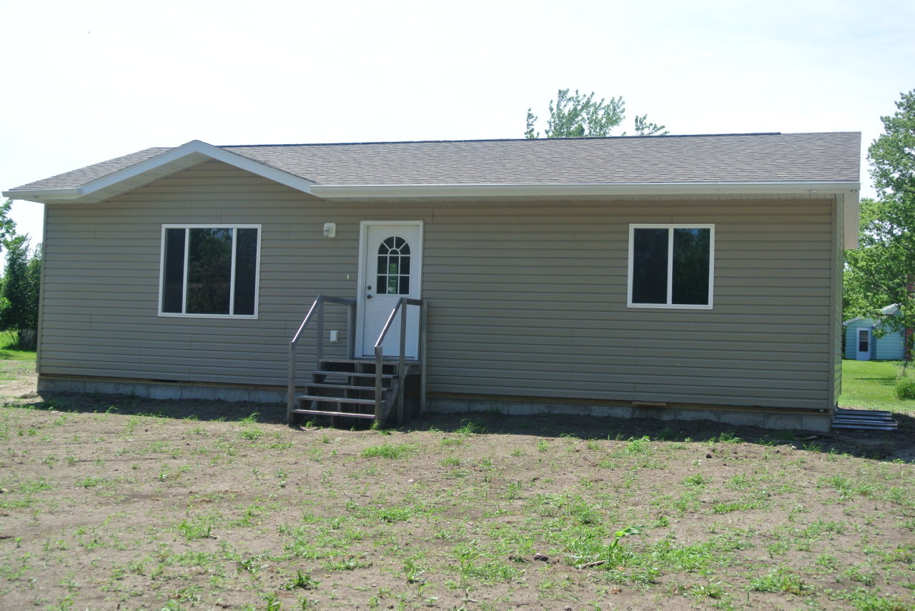 204 S Dakota St, Clark, SD 57225