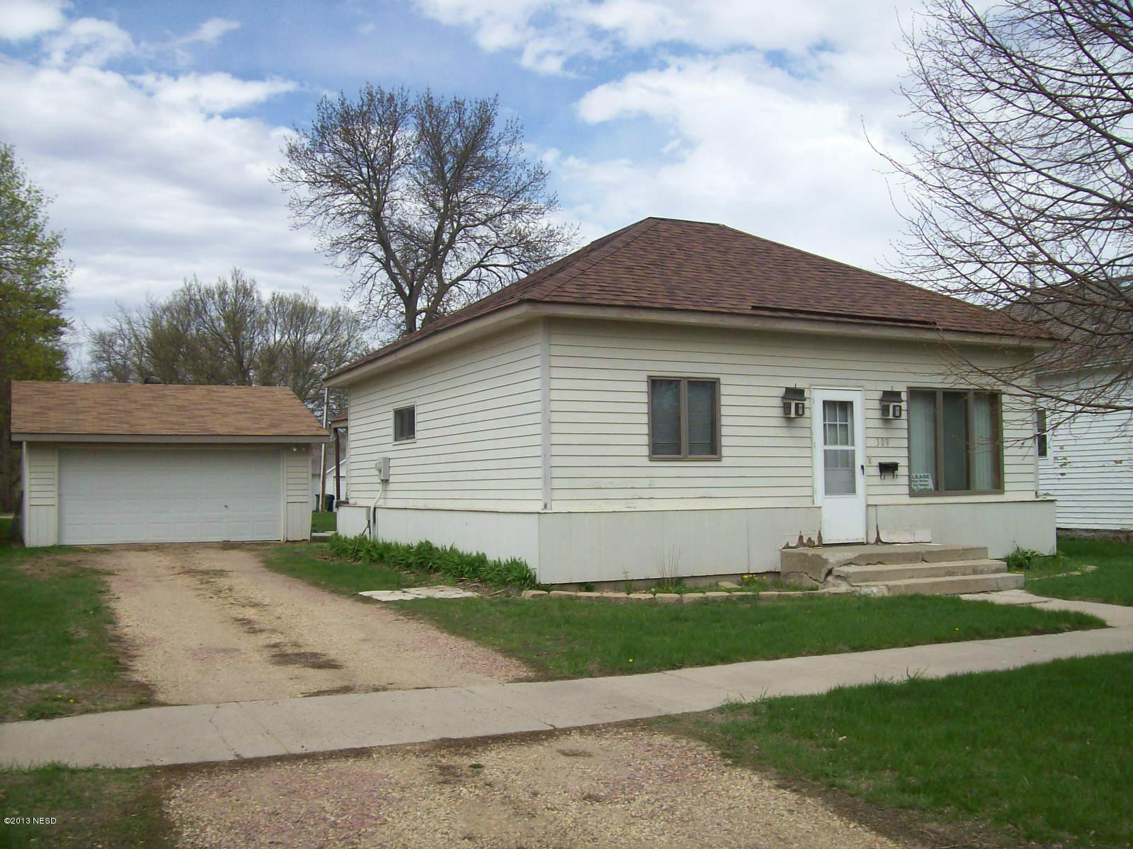 309 3 Ave, Watertown, SD 57201