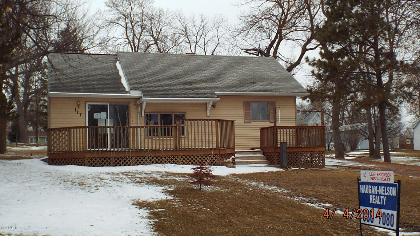 117 1st St W, Webster, SD 57274