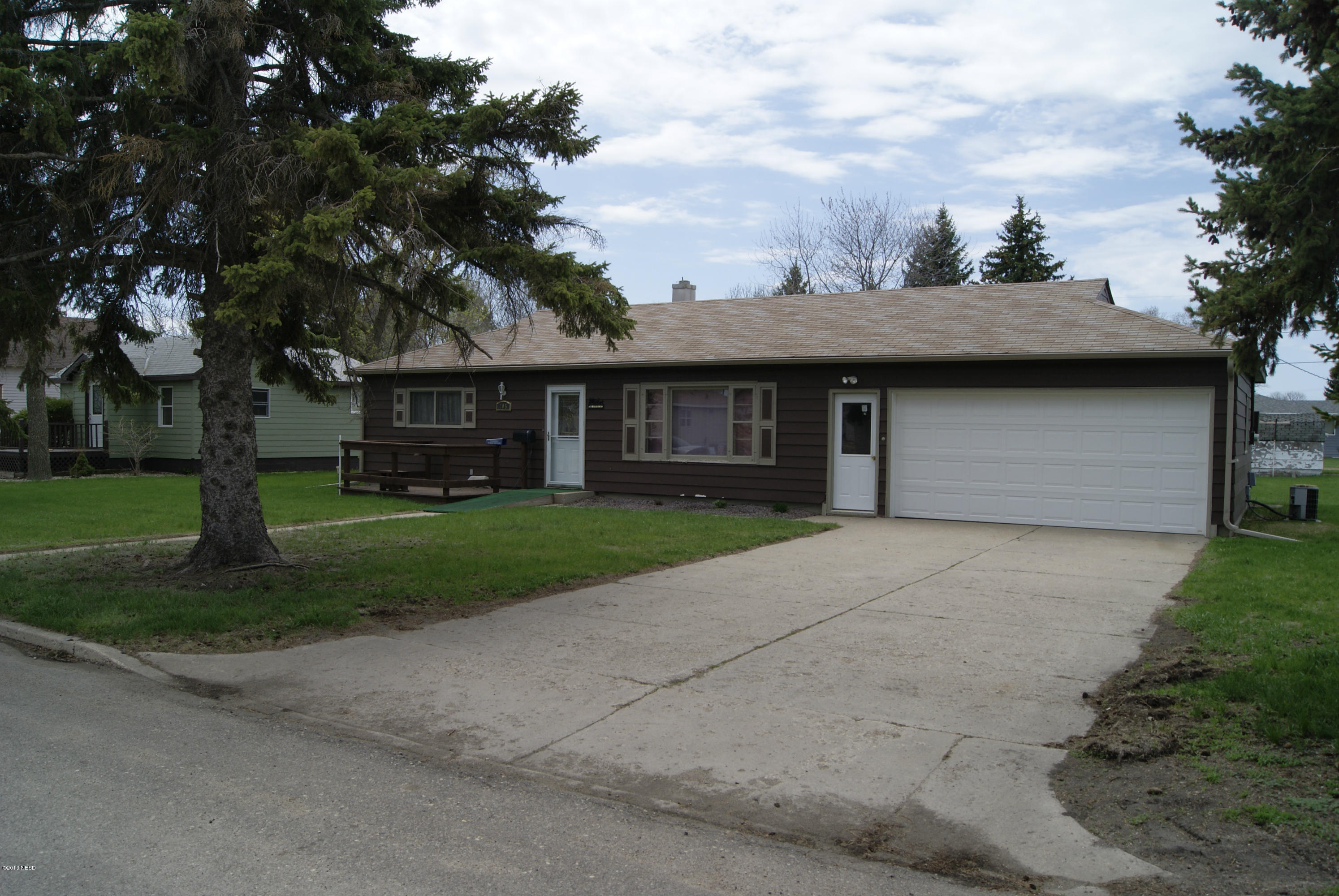 205 12TH ST, Watertown, SD 57201