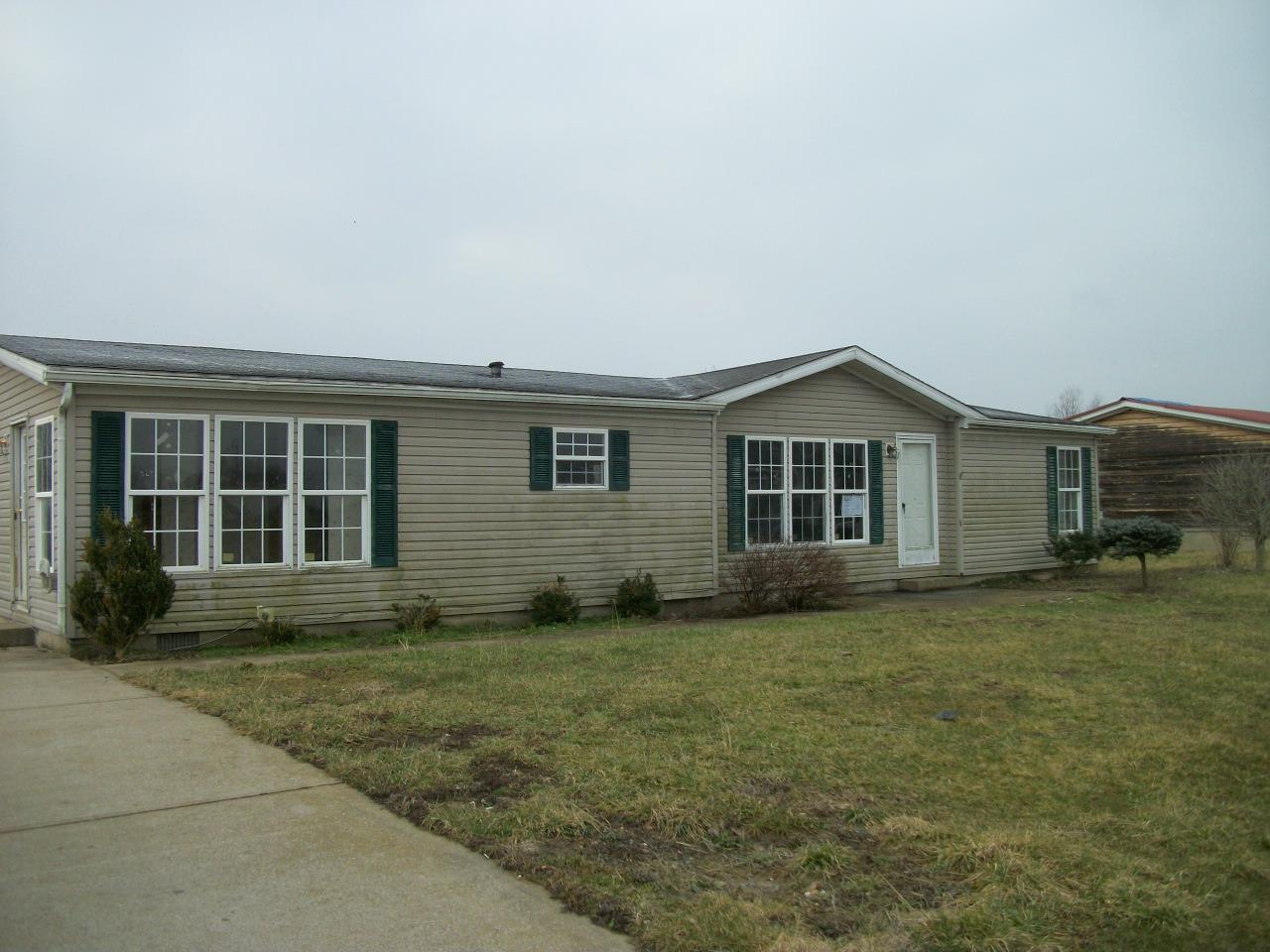 290 Eagle Ridge Dr, Dry Ridge, KY 41035