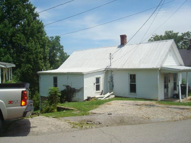 200 Cynthiana St, Williamstown, KY 41097