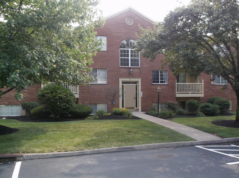 4 Highland Meadows Dr, Highland Heights, KY 41076