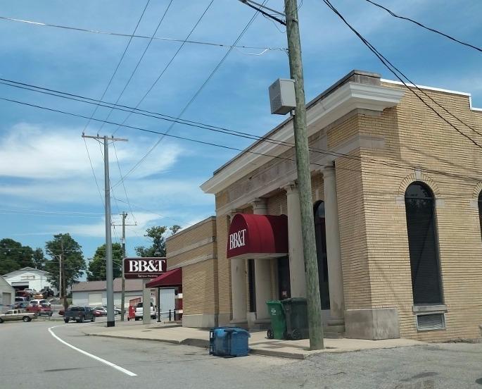 20 N Main St, Dry Ridge, KY 41035