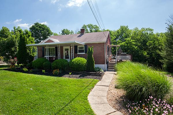 2970 Ridge Ave, Hebron, KY 41048
