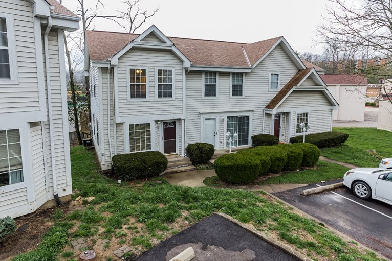 Townhouse,Single Family Attached, Traditional - Southgate, KY (photo 1)