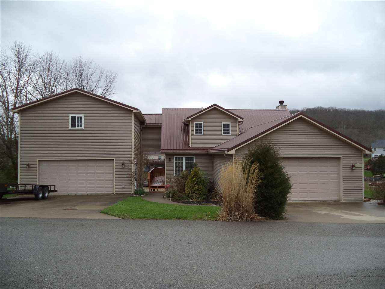 Photo of 140 Bluffside Drive  Sparta  KY
