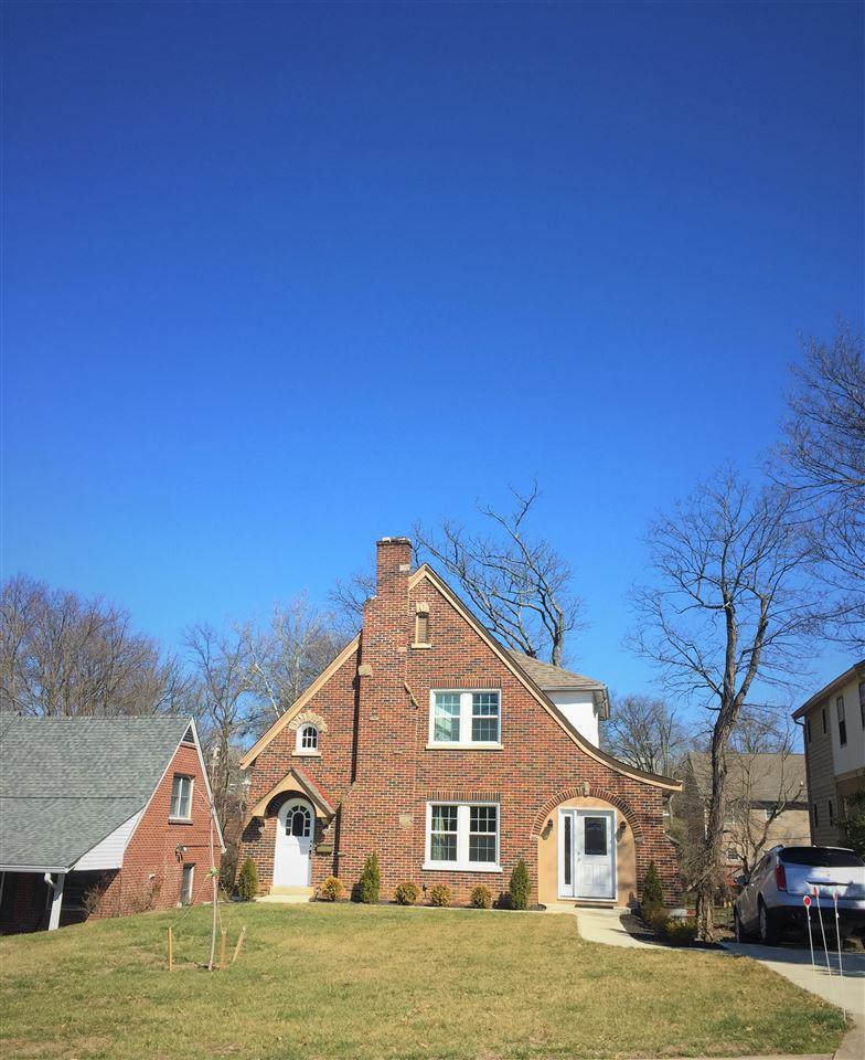 28 Greenbriar Avenue, Fort Mitchell, Kentucky