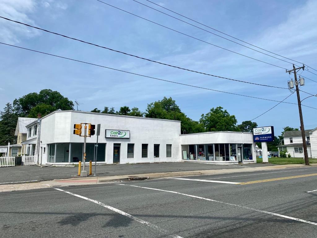 primary photo for 221 S Church Lane, Tappahannock, VA 22560, US