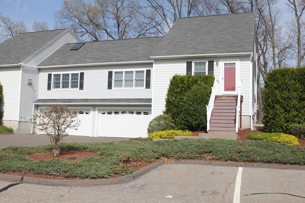 7 Shadow Brook Est, South Hadley, MA 01075