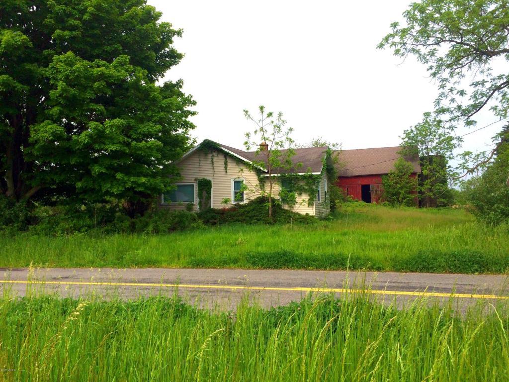14984 W Clear Lake Rd, Buchanan, MI 49107