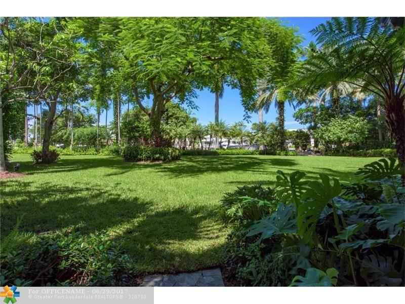 2501 Mercedes Dr Fort Lauderdale, FL