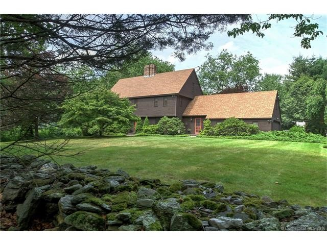 30 Ox Bow Ln, Woodbridge, CT 06525