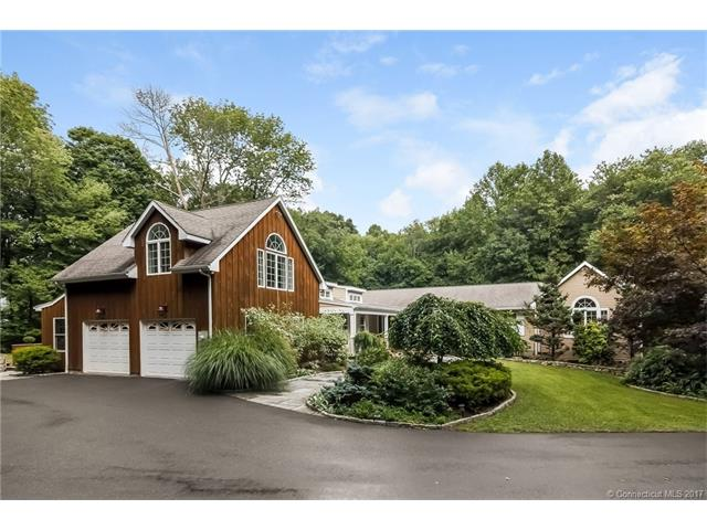 85 Peck Hill Rd, Woodbridge, CT 06525