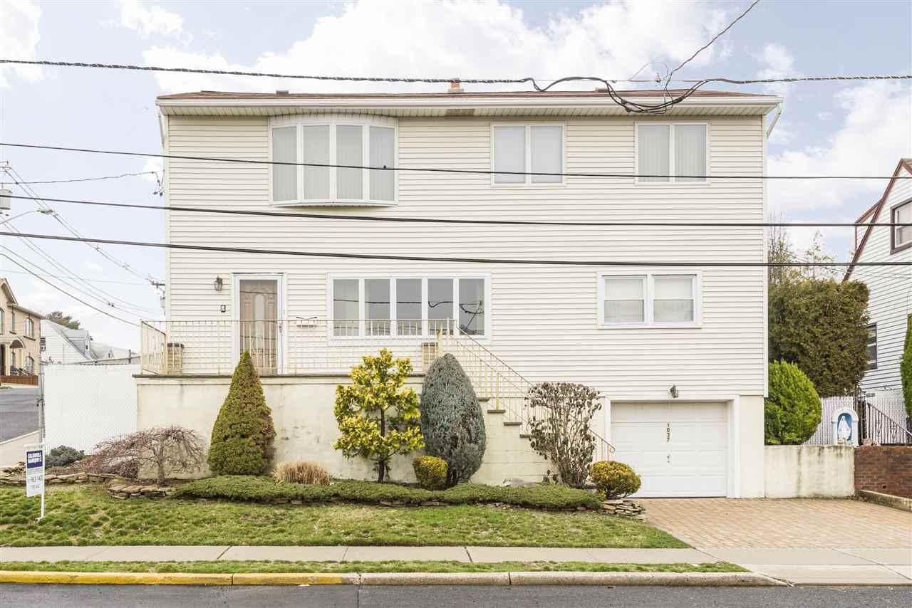 1037 Garry Ter, Secaucus, NJ 07094