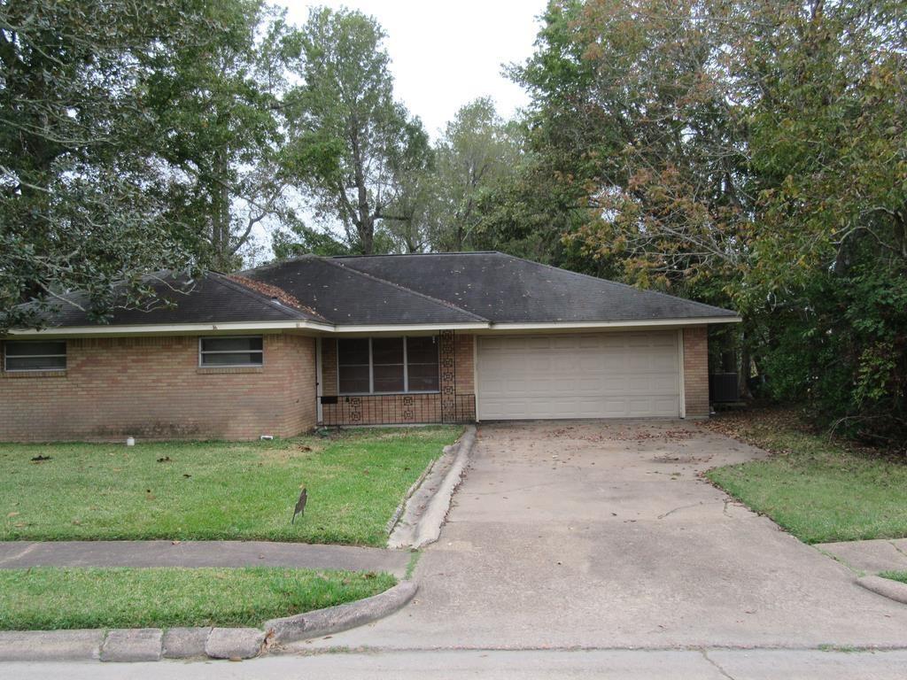 1019 Lynnwood Ave, Liberty, TX 77575
