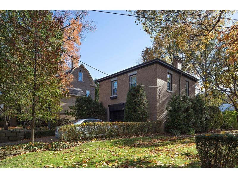 826 Amberson Ave Pittsburgh, PA