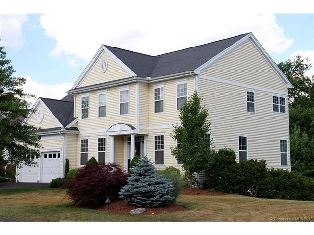 23 Independence Cir, Middlebury, CT 06762