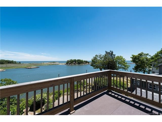 30 Whalers Pt, East Haven, CT 06512