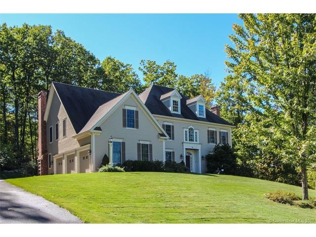 10 Livingston Rd, Collinsville, CT 06019