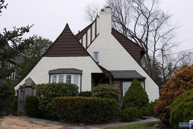 1296 Taft Rd, Teaneck, NJ 07666